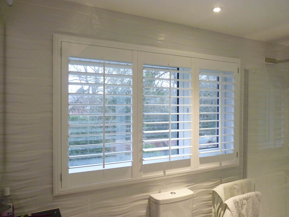 Shutters fitted uutside recess - Deco frame