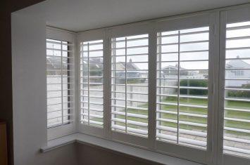 Fit plantation shutters – box bay window