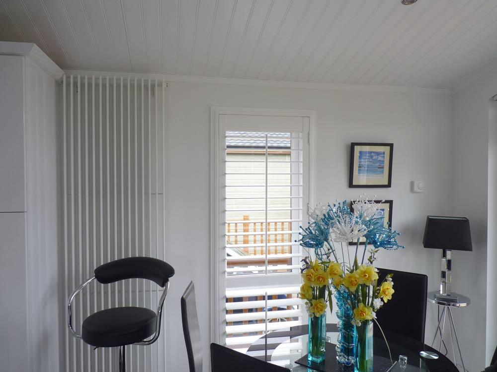 Z frame dining room