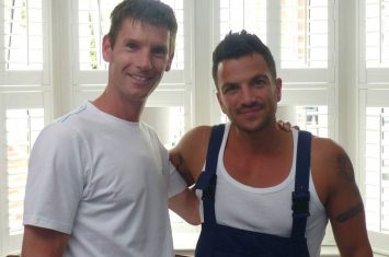 Fitting shutters with Peter Andre