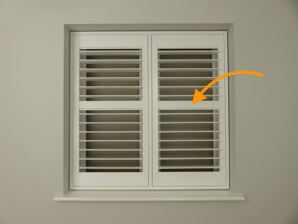 Shutters with a horizontal rail